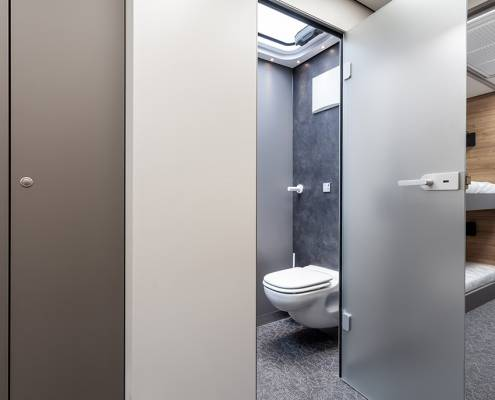 Yamaha Race Moto Pop Out - bathroom