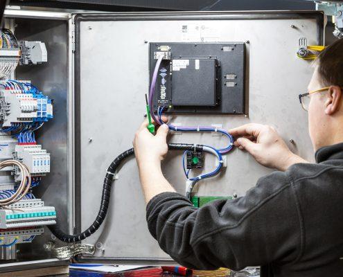 Elektroinstallateur_Elektroniker