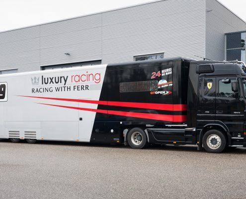 Luxury Racing Racetrailer - Aussenansicht