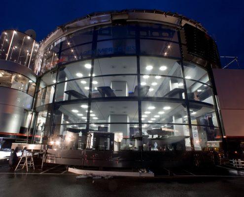 McLaren Hospitality - Aufbau by night