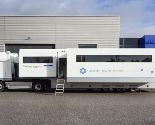 Mobiles Labor Fraunhofer IBMT - Aussenansicht