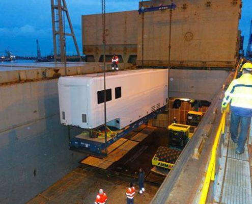 Mobile Lab Fraunhofer Institut - Containerbeladung Schiff