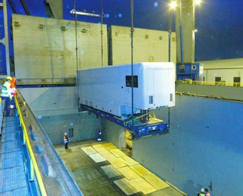 Mobile Labor Fraunhofer Institut - Containerverladung Schiff