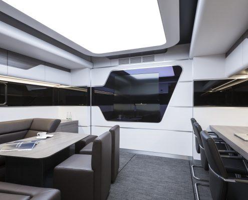 Black Falcon - Racetrailer Pop Out office
