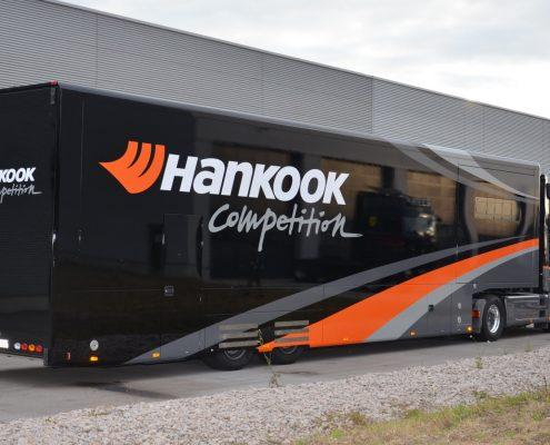 Racetrailer Service Pop Out Hankook outside