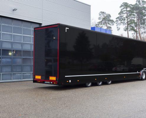 Lotus F1 Racetrailer - hintere Ansicht