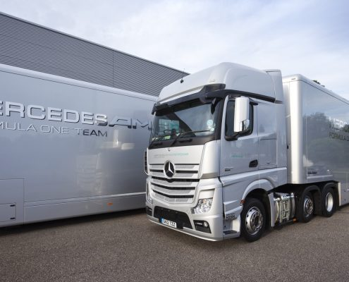 Mercedes AMG Petronas Racetrailer