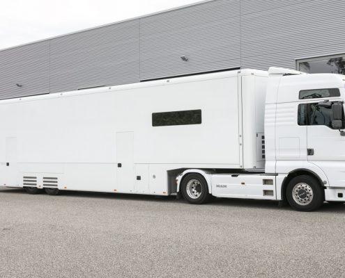 Peugeot Racing Racetrailer - Aussenansicht
