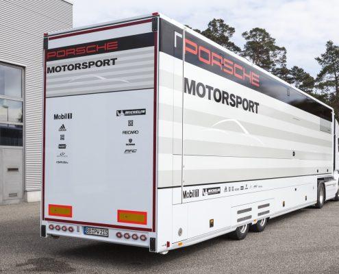 Porsche Motorsport Racetrailer - Heck