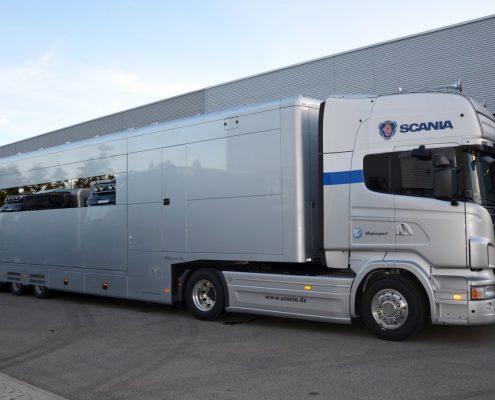 VW Motorsport Racetrailer 3 - Außenansicht