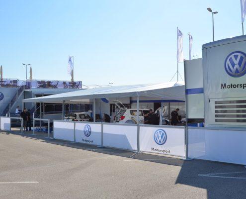 VW Motorsport Racetrailer 3 - aufgebaut