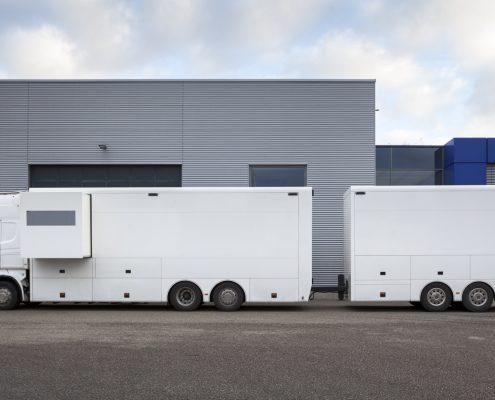 VW Motorsport Racetrailer mit Anhänger
