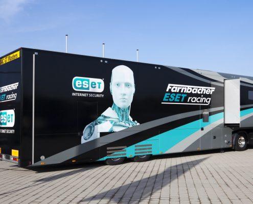 Farnbacher Racing Racetrailer Car Pop Out - Hintenansicht