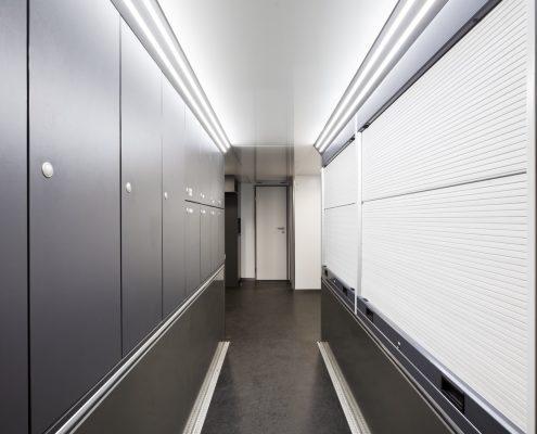 Farnbacher Racing Racetrailer Car Pop Out - ground floor