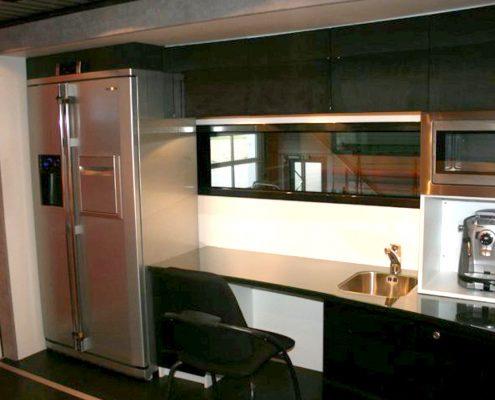 3C Carbon Racetrailer inside kitchen