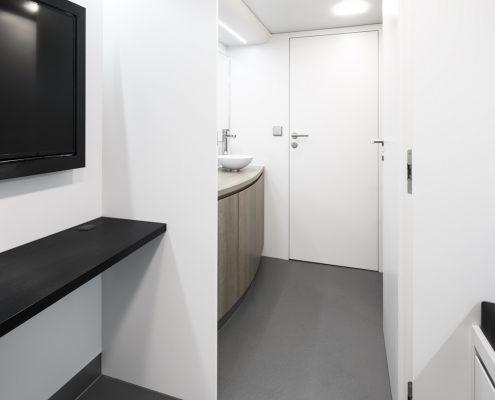 Haas F1 Racetrailer - Badezimmer