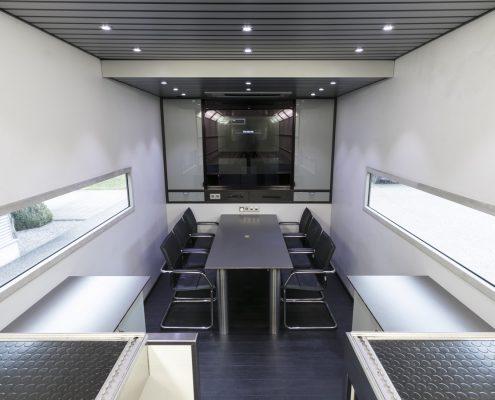 Peugeot Racing Racetrailer - Officebereich