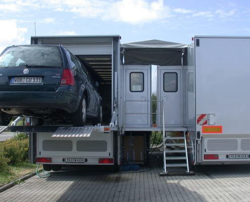 VW Mobiles Abgasmesszentrum - Heckansicht
