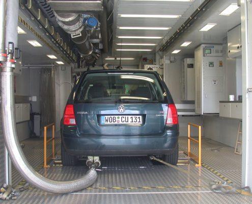 VW Mobiles Abgasmesszentrum - im Einsatz