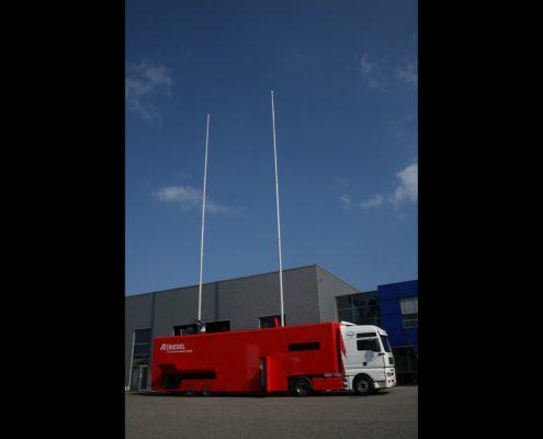 Übertragungswagen Riedel - Außenansicht mit Mast