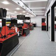 Strategiezentren Formel 1 in Lkw Aufliegern von Bischoff + Scheck