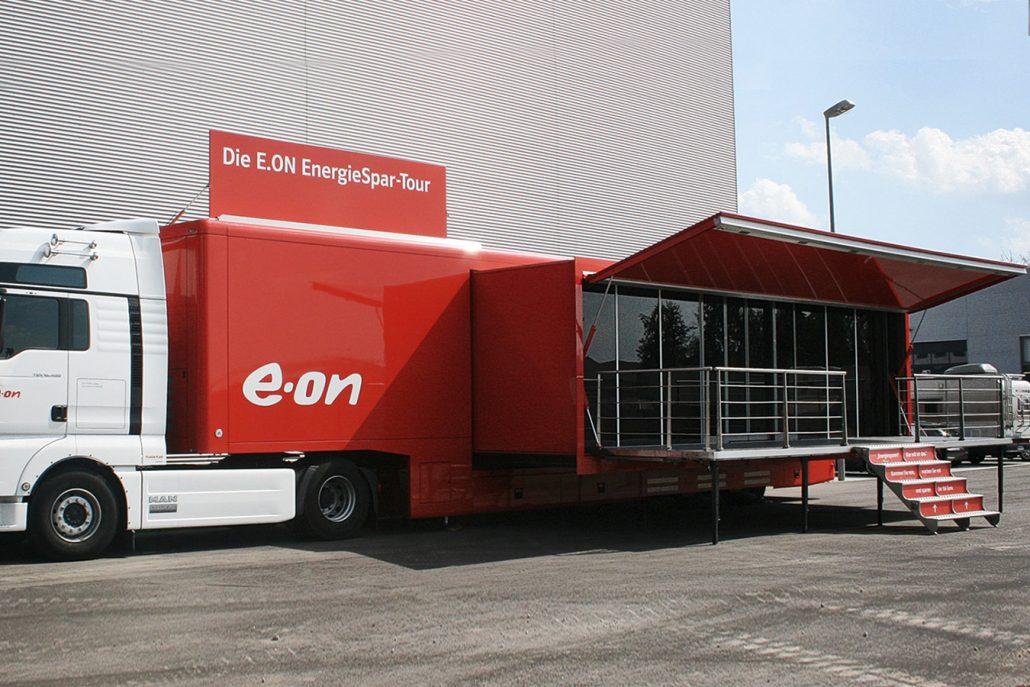 Promotion truck eon - Aussenansicht mit Bühne